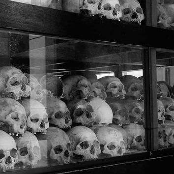 Union soviétique, Cambodge : que peut-on donner à voir des expériences concentrationnaires ?